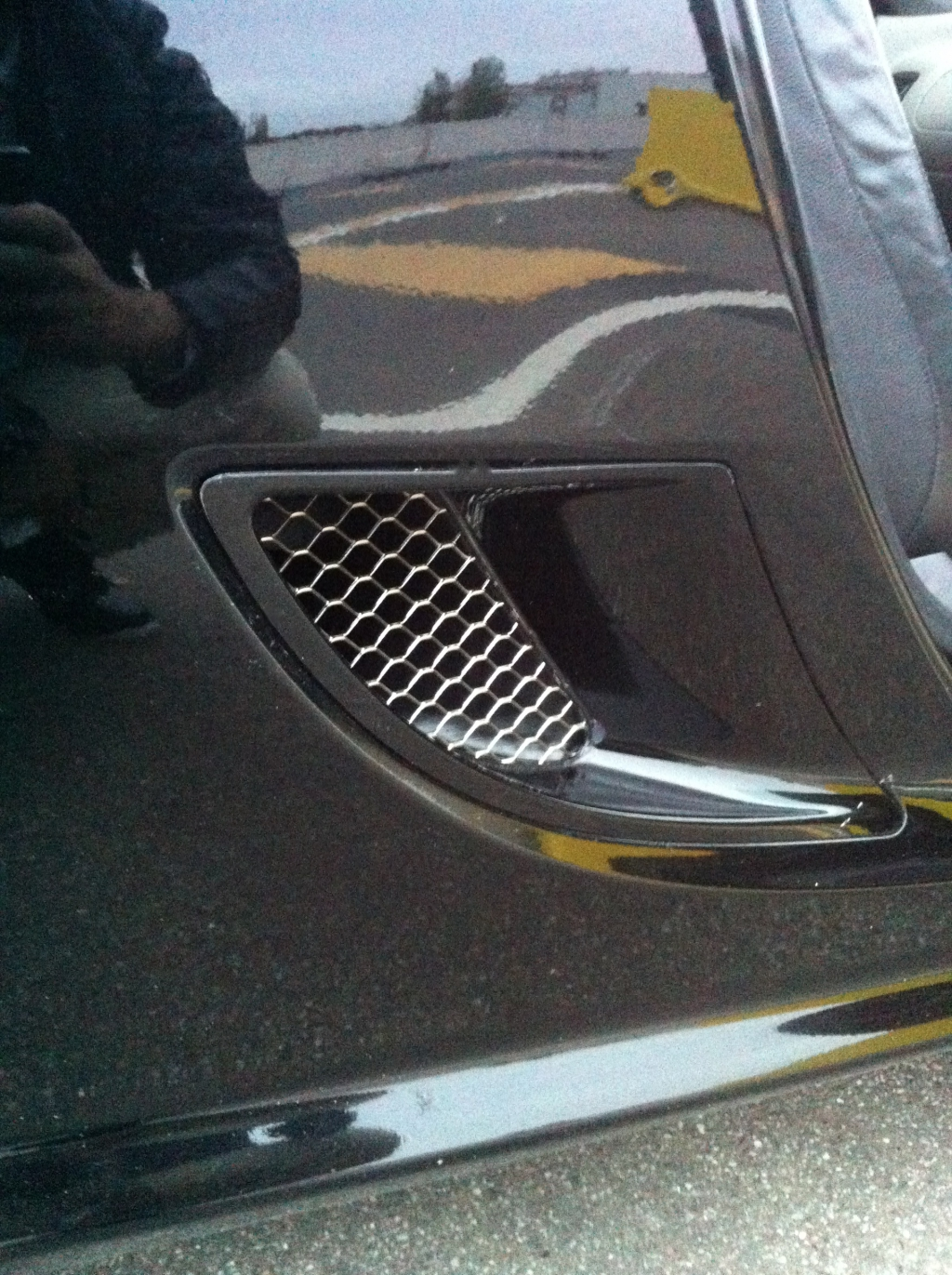 Mg tf carrosserie d montage petite grille for Bas de porte exterieur